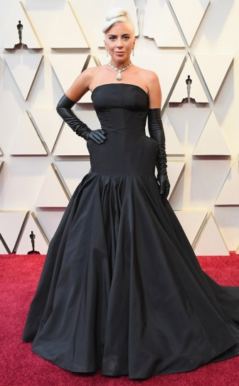 Thảm đỏ Oscar 2019: Rực rỡ sắc màu nhưng tối giản, an toàn
