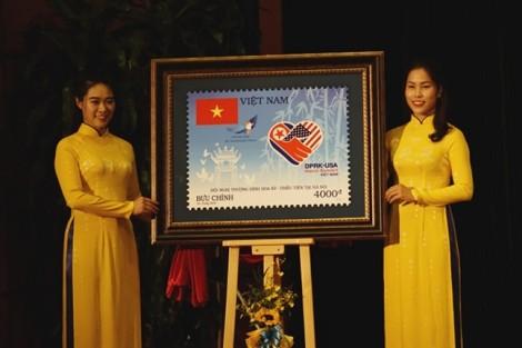 Hình ảnh lũy tre xanh xuất hiện trên bộ tem chào mừng hội nghị thượng đỉnh Mỹ-Triều