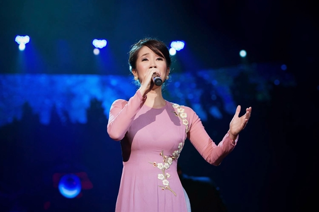 Ca si Hong Nhung: 'The he than tuong moi can duoc dao tao toan dien'
