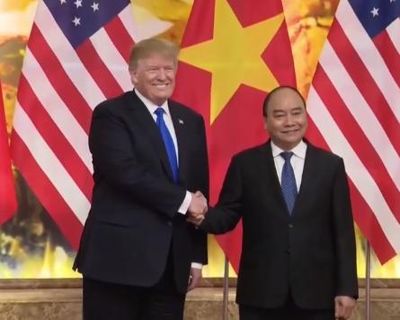 Tong Bi thu, Chu tich nuoc Nguyen Phu Trong tiep Tong thong My Donald Trump