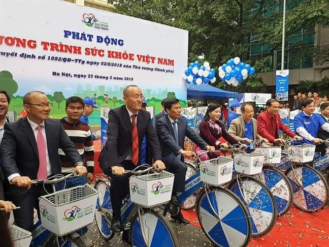 Huan luyen vien Park: Cau thu Viet Nam khong duoc uong nhieu ruou khi an mung chien thang