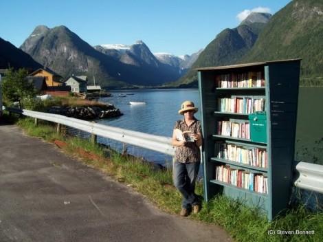 Du lịch khám phá... sách
