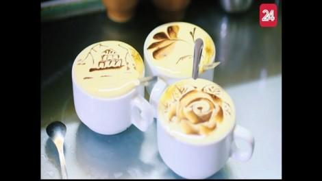 Thưởng thức cà phê trứng giữa Sài Gòn