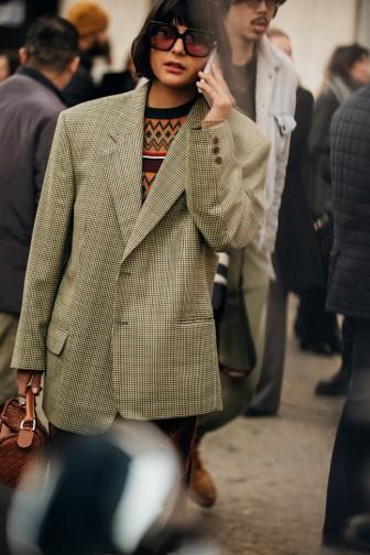 Phối blazer sành điệu như các tín đồ tại tuần lễ thời trang Milan