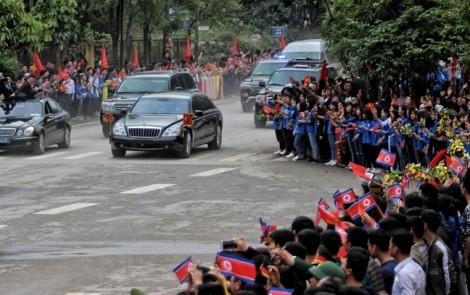 Chủ tịch Triều Tiên Kim Jong-un tới ga Đồng Đăng để rời Việt Nam