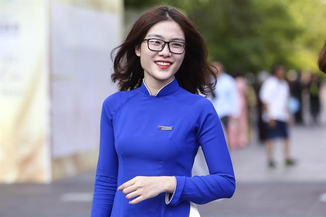 Hon 3000 nguoi dong dien ao dai