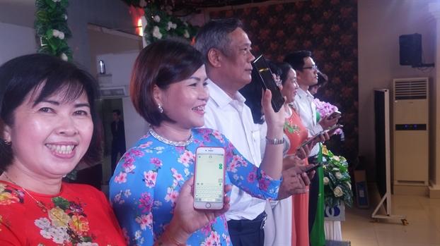 Quan Tan Phu: Van dong hoi vien xay cau giao thong nong thon