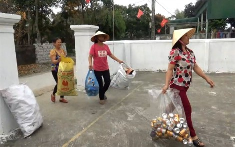 Biến rác thải thành thẻ bảo hiểm y tế cho người nghèo