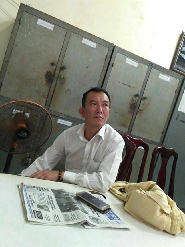 Tam giu 2 du khach Han Quoc de dieu tra viec trom cap tai san