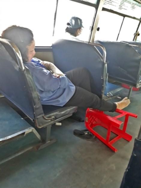 Thấy gì ở lớp học 'bao đậu' dành cho nhân viên xe buýt