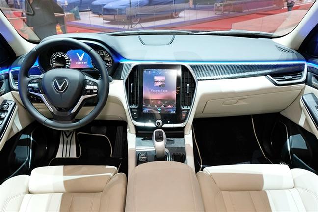 VinFast trinh lang mau SUV LUX phien ban dac biet tai Thuy Sy
