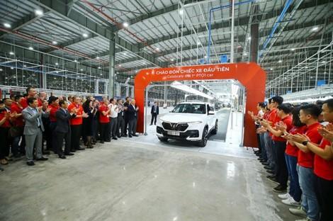 VinFast hoàn thành sản xuất thử nghiệm chiếc xe LUX SUV đầu tiên