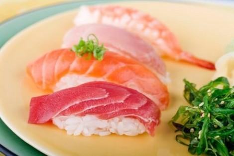 Những thực phẩm hạn chế ăn khi mang thai