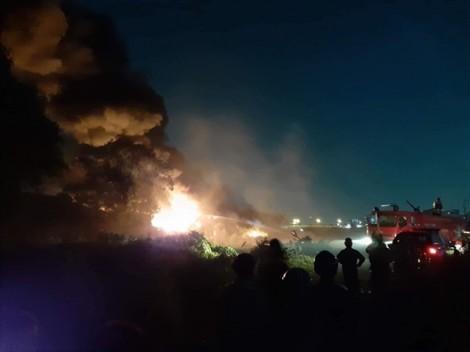 Cháy lớn tại nhà xưởng ở ngoại ô TP.HCM