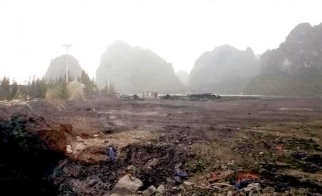 Những bãi than, xít lấn vịnh Bái Tử Long