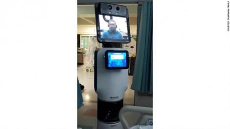 Gia đình bất bình khi bác sĩ sử dụng robot thông báo bệnh nhân sắp chết
