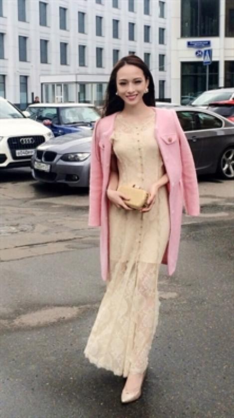 Hoa hậu Phương Nga đề nghị giám sát đơn tố cáo ông Cao Toàn Mỹ về hành vi vu khống