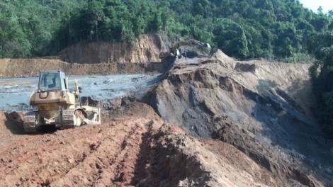 Mỏ thiếc bỏ hoang đổ sập đè chết 3 người đi mót quặng