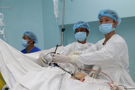Hai bệnh viện tuyến quận chạy đua với 'tử thần' cứu người phụ nữ bị vỡ thai ngoài tử cung