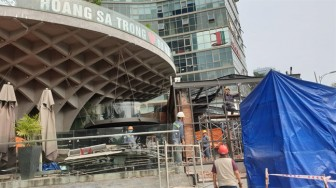 Đà Nẵng: Cưỡng chế phá bỏ nhà hàng trái phép dưới tòa nhà Bạch Đằng Complex