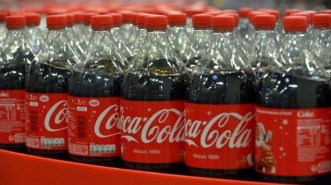 Coca-Cola tiết lộ kinh hoàng về số lượng chất dẻo sử dụng làm vỏ chai