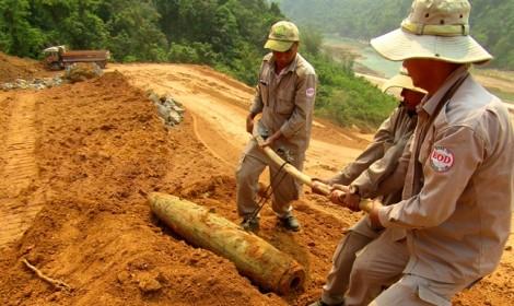 San ủi xây thủy điện phát hiện bom 227kg