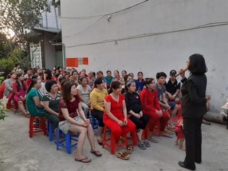 Huyện Bình Chánh: Nói chuyện về phòng, chống bạo lực gia đình với nữ công nhân