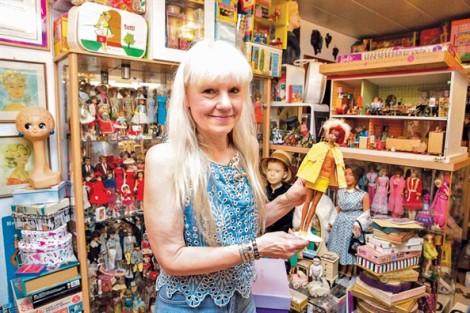Búp bê Barbie 60 tuổi - Đẹp không có nghĩa là hoàn hảo