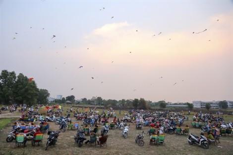 Hàng trăm con diều tung bay ở Sài Gòn