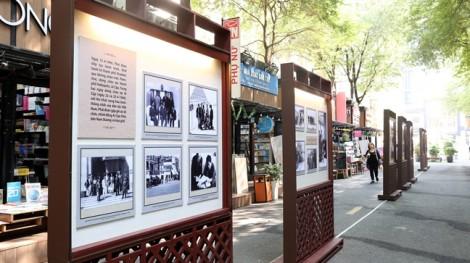 Hơn 150 bức ảnh quý về chuyến thăm hữu nghị Cộng hoà Pháp 1946