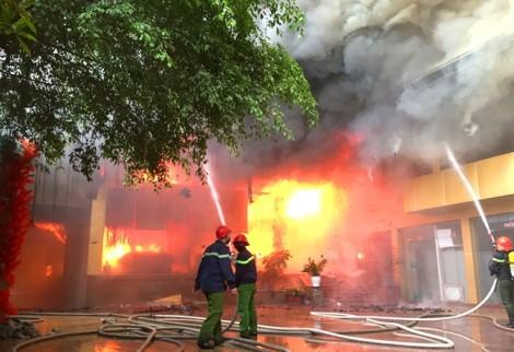 Nữ nhân viên tạp vụ tử vong trong vụ cháy tổ hợp khách sạn ở Nghệ An