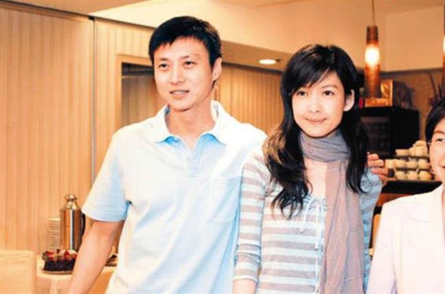 Chau Hue Man: Gia dinh van la tren het