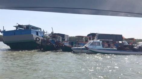Chìm tàu nạo vét, thuyền trưởng mất tích, 3 người được cứu sống