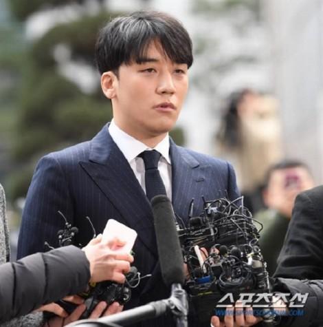 2 bộ trưởng Hàn Quốc xin lỗi vì những bê bối tình dục trong làng giải trí