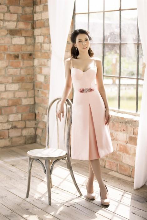 Váy ngắn nữ tính cho nàng chuẩn bị vào hè