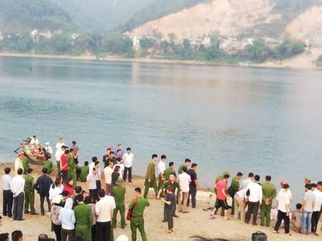 Rủ nhau ra sông chơi, 8 học sinh Hòa Bình đuối nước thương tâm
