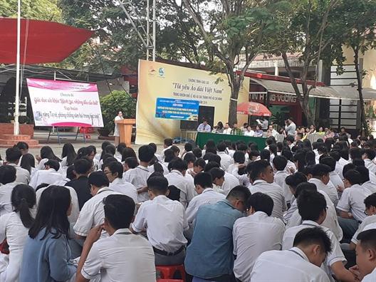 Hon 3.600 hoc sinh duoc huong dan ky nang tu bao ve