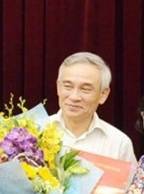 Nguyen Pho Chanh Van phong Thanh uy TP.HCM bi ky luat cach tat ca cac chuc vu trong Dang