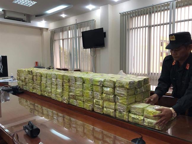 Bo Cong an khoi to 4 doi tuong trong duong day 300kg ma tuy da