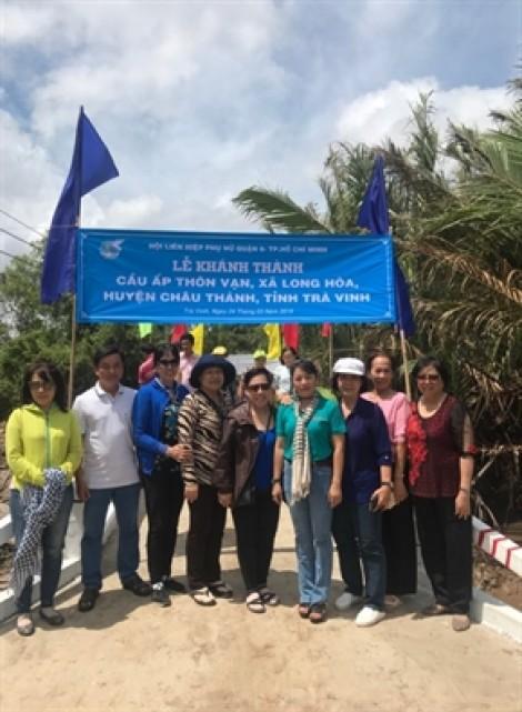 Phụ nữ quận 6 trao tặng cầu giao thông cho dân nghèo Trà Vinh