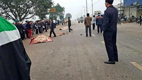 Xe khách đâm vào đoàn đưa tang, 7 người tử vong
