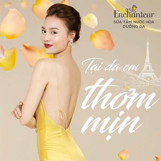 """Da xinh dep, Ninh Duong Lan Ngoc bo """"bua yeu"""" cung duyen het phan nguoi khac"""