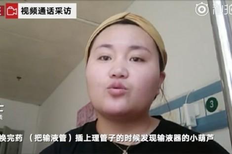 Kiện bệnh viện 150.000 USD vì phát hiện tóc người trong ống truyền thuốc cho con