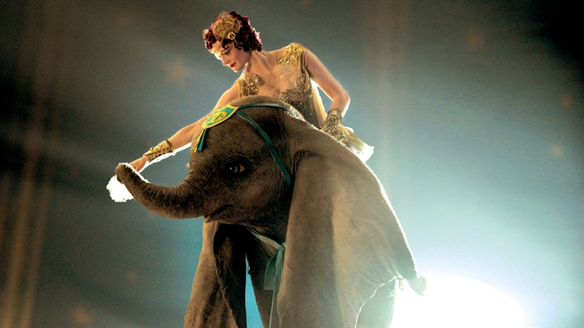 Tuoi tho ua ve voi 'Dumbo: Chu voi biet bay'