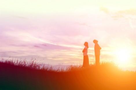 Khi tình yêu 'đi vắng', mọi thứ là ngụy biện và mê tín