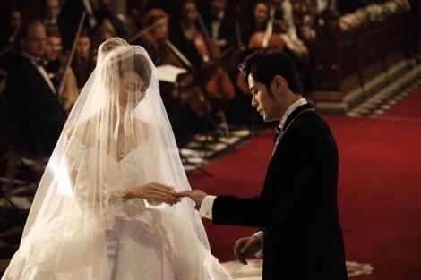 Vợ chồng Châu Kiệt Luân: 'Thương nhau trước rồi thương con'