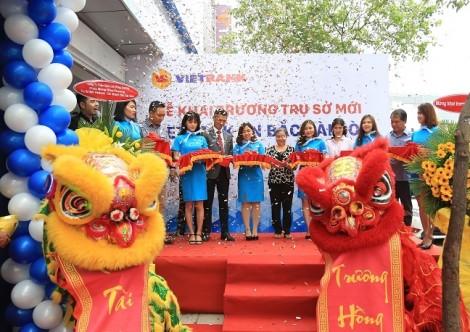VietbankChi nhánh Bắc Sài Gòn tưng bừng khai trương, ngập tràn quà tặng