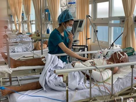 Hàng chục bác sĩ cứu bệnh nhân bị rơi quả thận vào bụng