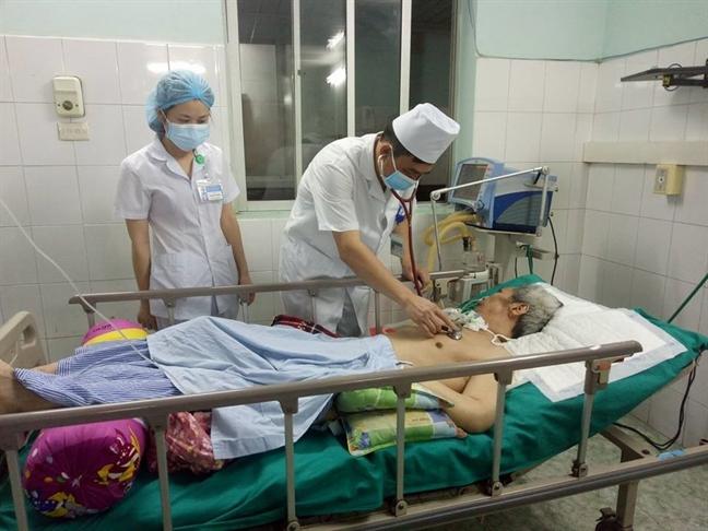 Tuyen Quang: 'Co' benh vien lua ban 5 trieu dong mot can thao duoc chua ngo doc thuoc diet co