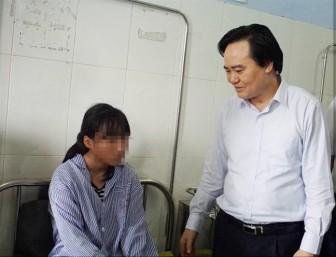 Thủ tướng yêu cầu xử lý nghiêm vụ nữ sinh bị đánh hội đồng